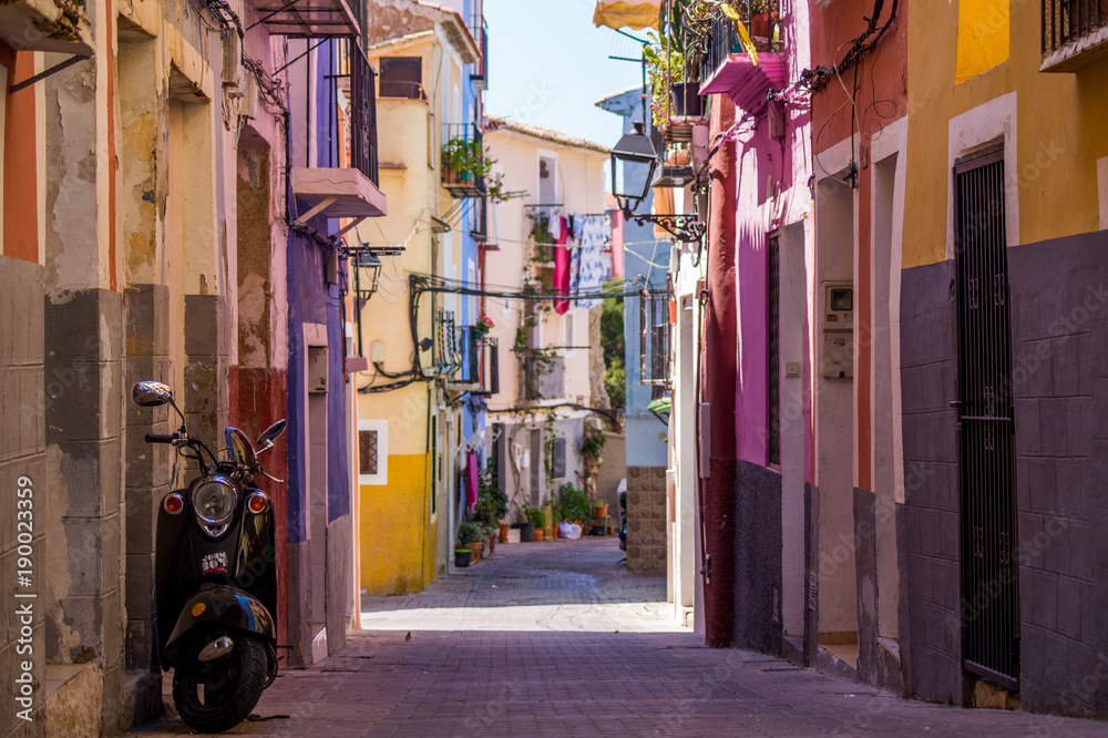 Fototapety, obrazy: Alley in la Vila Joiosa