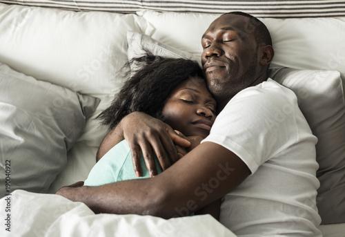 Fotografía  Couple sleep together