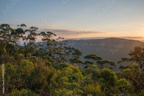 Deurstickers Bleke violet Blue Mountains Australian sunset landscape in Katoomba, New South Wales