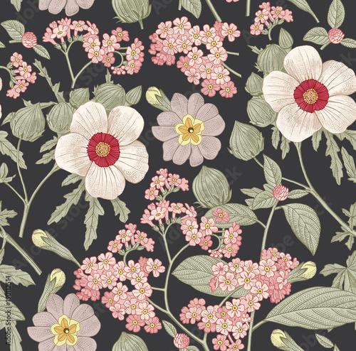 bezszwowy-wzor-piekni-rozowi-kwitnacy-realistyczni-odosobneni-kwiaty-rocznika-tlo-primula-hibiscus-heliotrope-mallow-wildflowers-tapeta-rysowanie-grawerowanie-ilustracja-wektorowa-wiktorianski