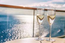 Luxury Cruise Ship Travel Cham...