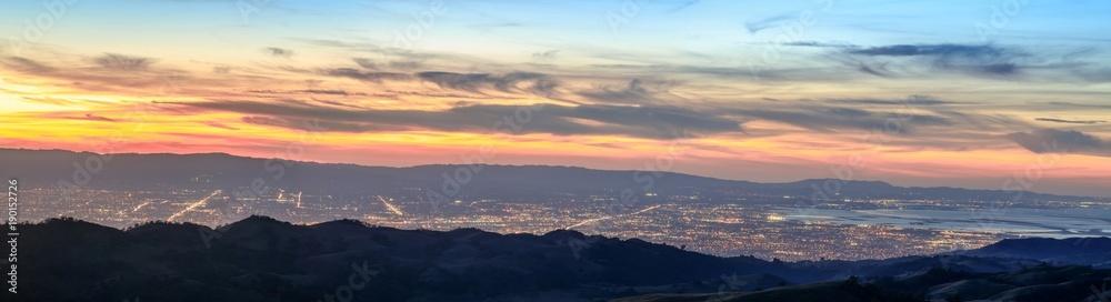 Fototapety, obrazy: Silicon Valley Panorama. Santa Clara Valley at dusk as seen from Lick Observatory in Mount Hamilton east of San Jose, Santa Clara County, California, USA.