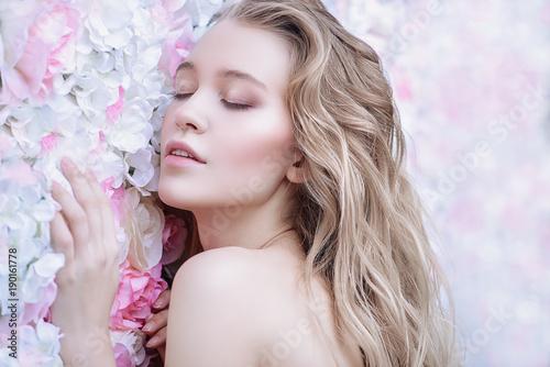 Deurstickers Akt tenderness of spring flowers