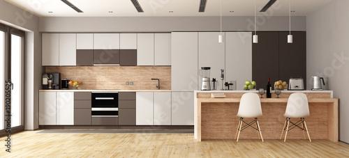 Fotografía  White and brown modern kitchen