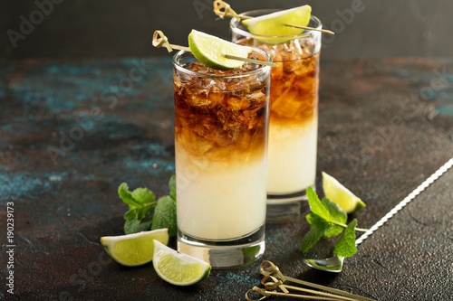 Dark and stormy cocktail Fototapeta