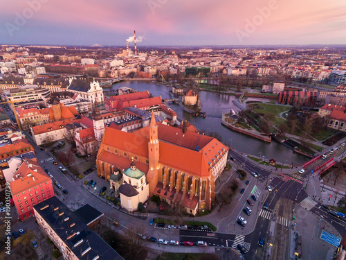 Foto op Aluminium Napels Aerial: Cathedral of St. Vincent and St. James in Wrocław at dawn