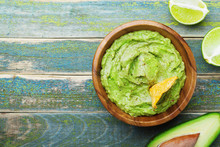 Green Guacamole With  Ingredie...