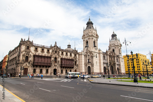 Recess Fitting Madrid ペルーの街並み