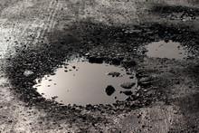 Pothole Resembling Lunar Surfa...
