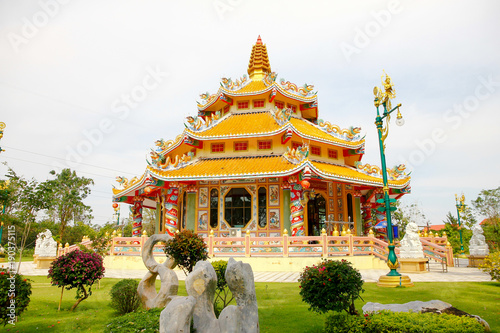 Photographie  Chinese temple in Thailand under the blue sky. Shrine Building
