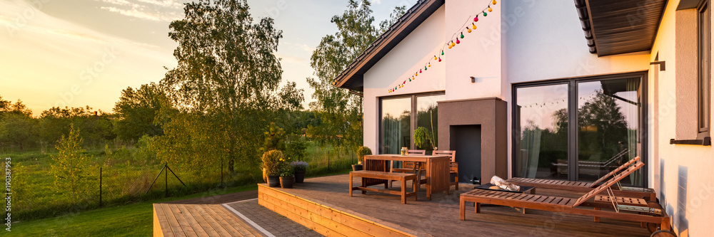Fototapety, obrazy: Modern house with patio
