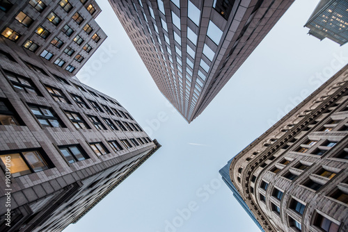 Fotomural Looking up at business buildings in downtown Boston, USA