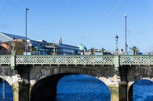 Photo  Dublin City Center and river Liffey,Ireland