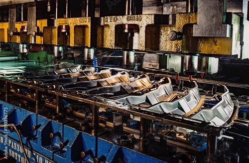 Fotografía  Industrial press for sheet metal stamping