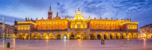 Poster Cracovie Panorama of Cloth Hall at Main Market Square in Cracow, Poland