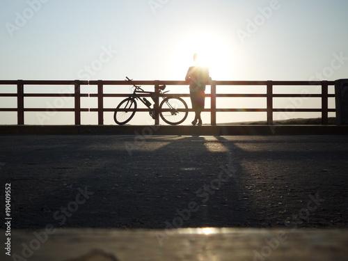 Canvas Prints Grocery Ciclismo en puente Eten