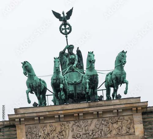 Quadriga auf dem Brandenburger Tor in Berlin © blende11.photo