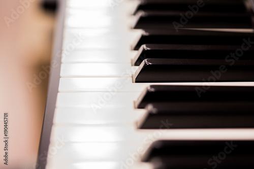 Spoed Foto op Canvas Muziekwinkel piano keyboard keys closeup