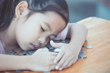 Cute Asian Little Child Girl H...