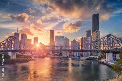 Poster Oceania Brisbane. Cityscape image of Brisbane skyline, Australia with Story Bridge during dramatic sunset.
