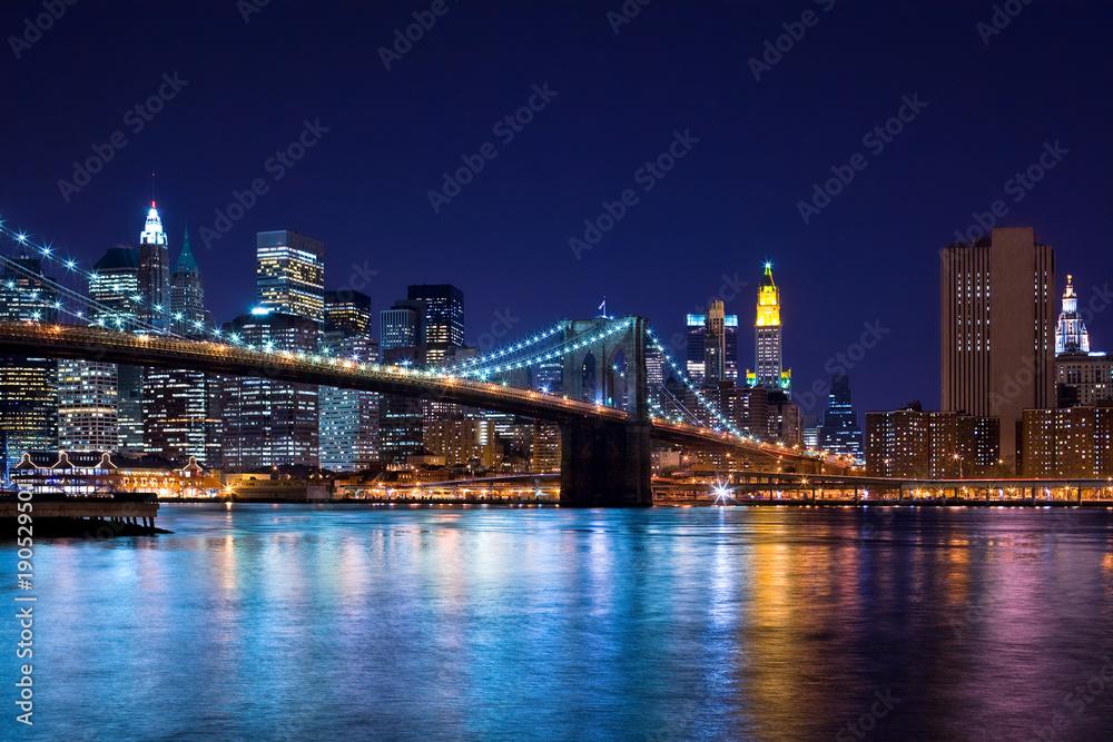 Fototapety, obrazy: Skyline at night of New York City and Brooklyn Bridge