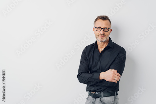 Relaxed middle-aged man wearing glasses Canvas-taulu