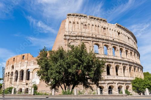 Zdjęcie XXL Koloseum z chmurami