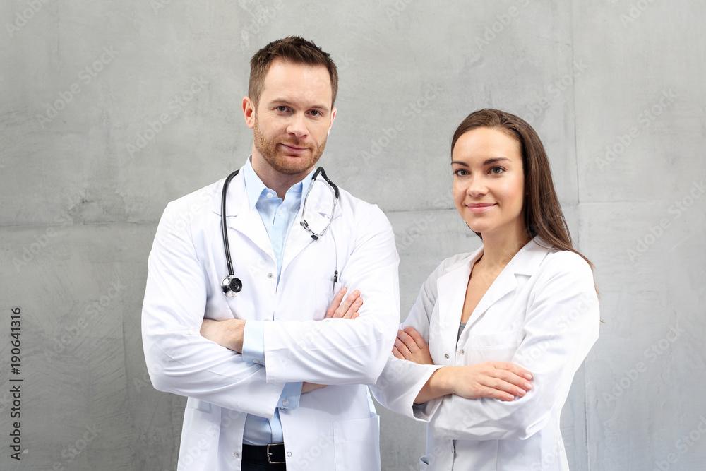 Fototapeta Lekarz i pielęgniarka. Zespół medyczny