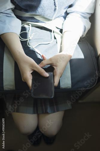 Fotobehang Snelle auto s 女子高生 通学 電車