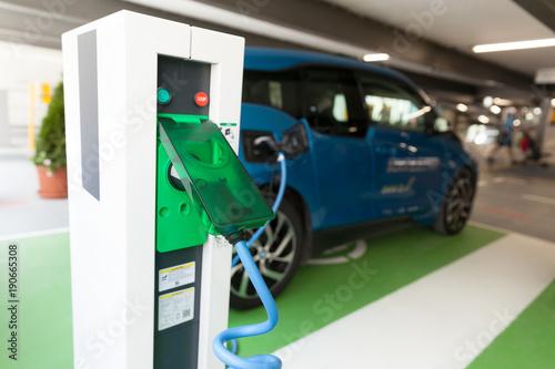 Obraz na płótnie Charging battery of an electric car