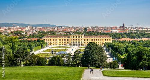 Schloss Schönbrunn und Panorama über Wien