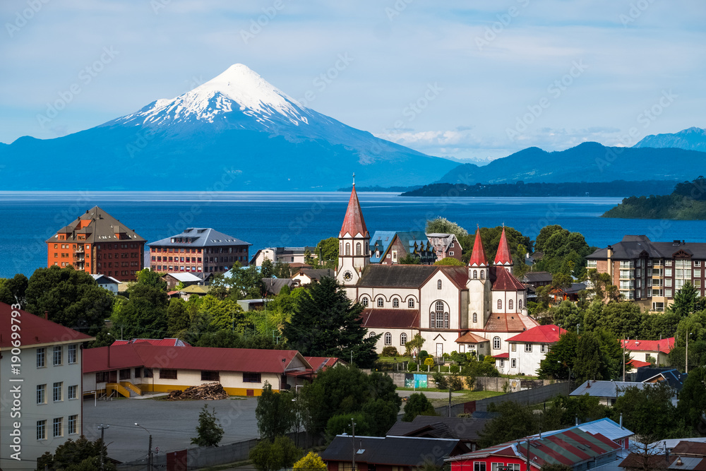 Fototapety, obrazy: Town of Puerto Varas with volcano Osorno on the background. Chile