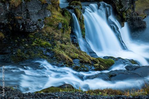 wodospad-w-kirkjufell-w-islandii
