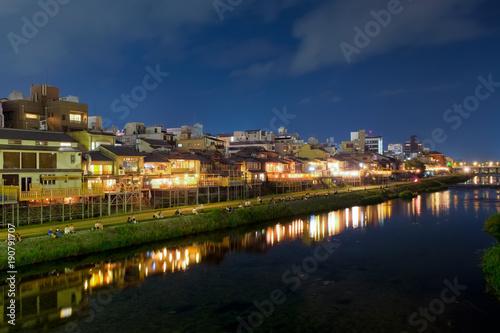 Spoed Foto op Canvas Kyoto 京都 鴨川 夜景
