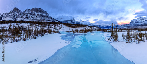 Icefields Parkway, Saskatchewan River Crossing, Banff National Park, Alberta, Canada