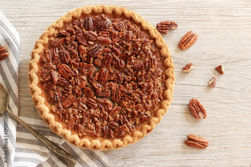 Photo Overhead view og Pecan Pie / Pi day concept