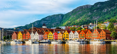 Spoed Foto op Canvas Europese Plekken Bergen, Norway. View of historical buildings in Bryggen- Hanseatic wharf in Bergen, Norway. UNESCO World Heritage Site
