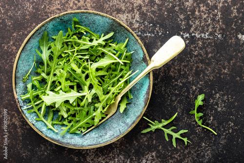 Photo fresh crunchy juicy arugula leaves