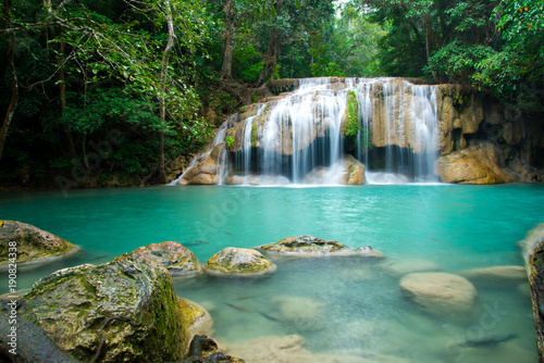 Deurstickers Watervallen Erawan waterfall in Thailand National Park