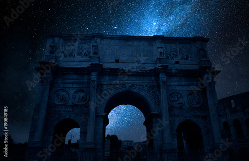 Cuadros en Lienzo Milky way and Triumphal arch in Rome at night, Italy