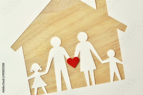 Cuadros en Lienzo Paper family cut-out and house - Love and family union concept