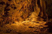 Khao Wang Thong Cave