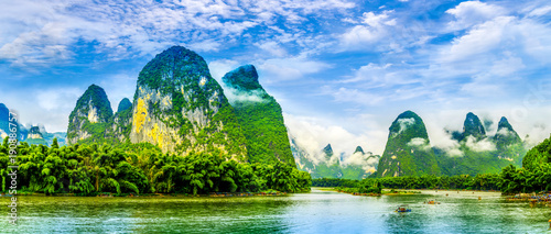 Foto op Canvas Guilin The beautiful rivers and landscape of the Lijiang River in Guilin, China