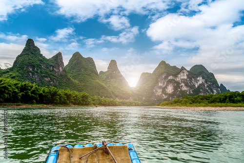 Tuinposter China The beautiful rivers and landscape of the Lijiang River in Guilin, China