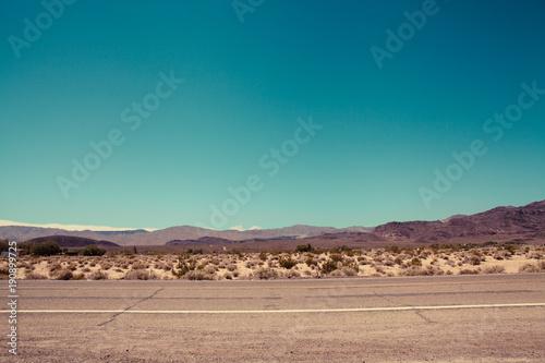 Montage in der Fensternische Route 66 Route 66 in California, Retro Style