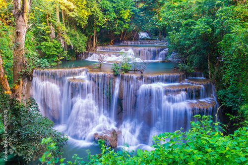 Photo Stands Waterfalls Huai Mae Khamin Waterfall at Kanchanaburi, Thailand