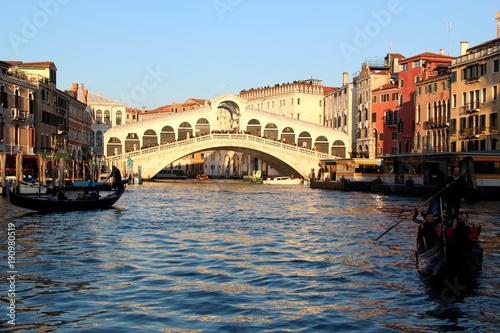 Türaufkleber Gondeln Pont du Rialto, Venise, Italie