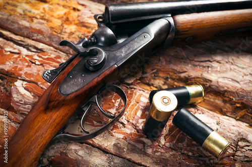 Foto op Aluminium Jacht Hunting equipment on old wooden background