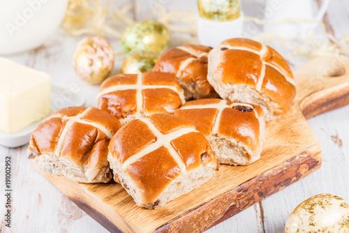 Spoed Foto op Canvas Pizzeria Easter Breakfast with Hot Cross Buns