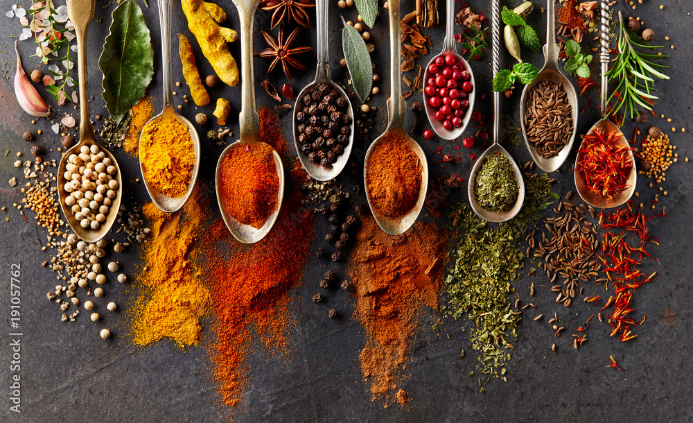 Fototapety, obrazy: Spices on black background